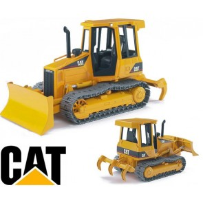 Bruder Caterpillar Bulldozer On Tracks